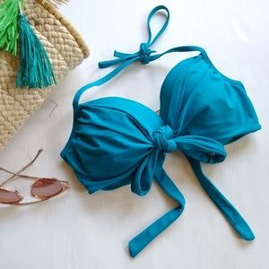 VICTORIA'S SECRET the wrap halter 36D bikini top